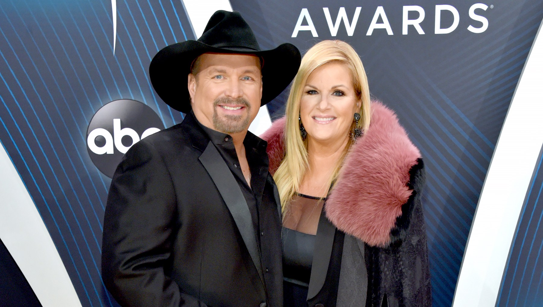 Garth-Brooks-and-Trisha-Yearwood-CMAs