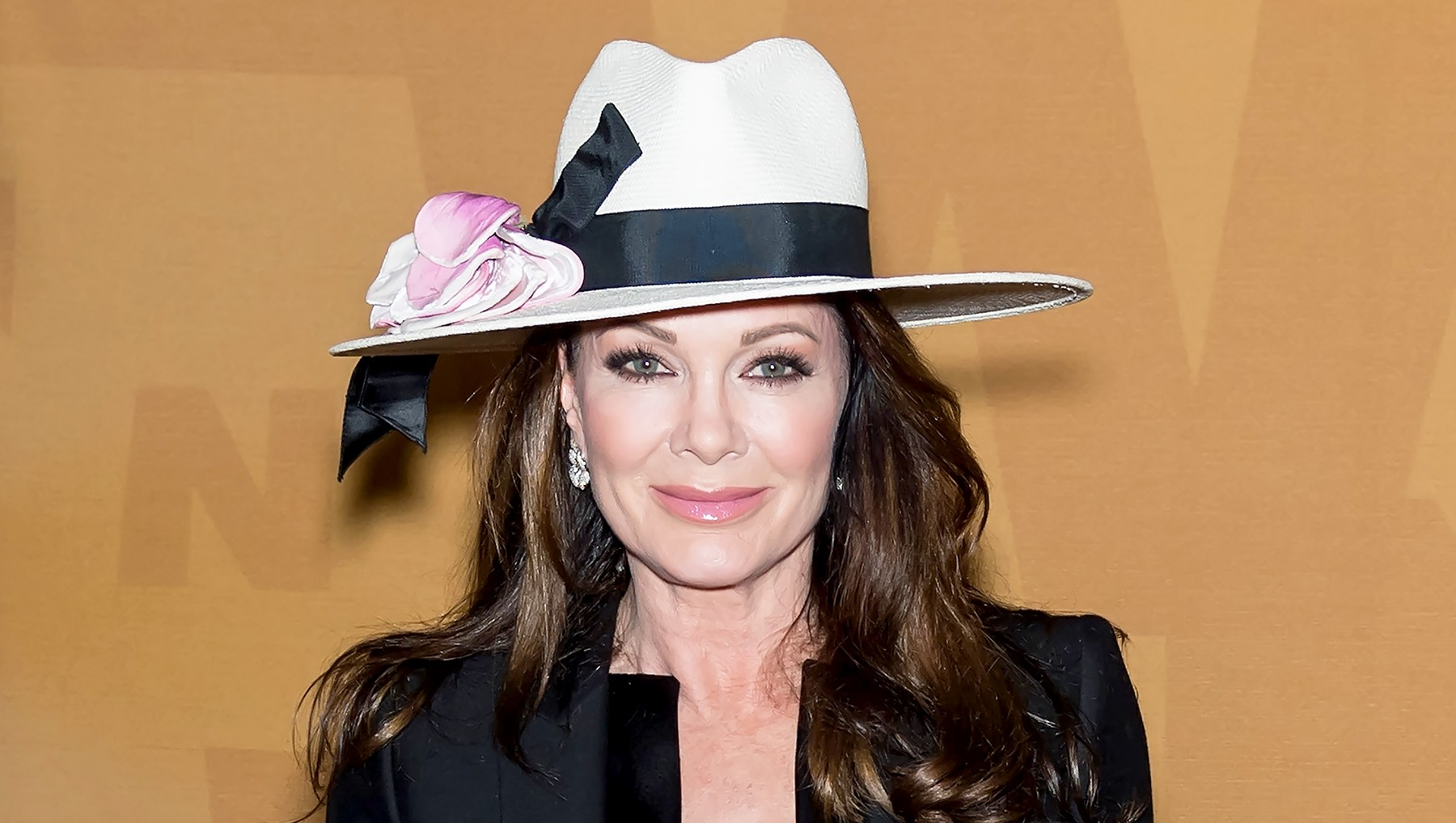 Lisa-Vanderpump-leaving-housewives