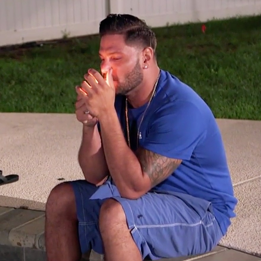 Jersey Shore' Sneak Peek: Ronnie Gets In the Hot Tub With Another Girl