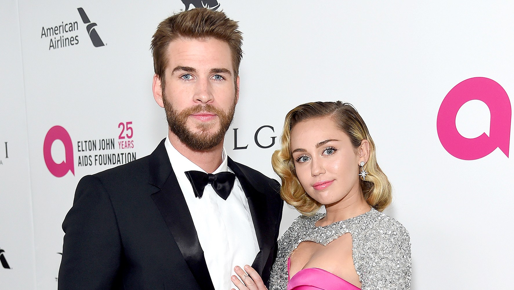 liam-hemsworth-miley-cyrus-house-wild-fire