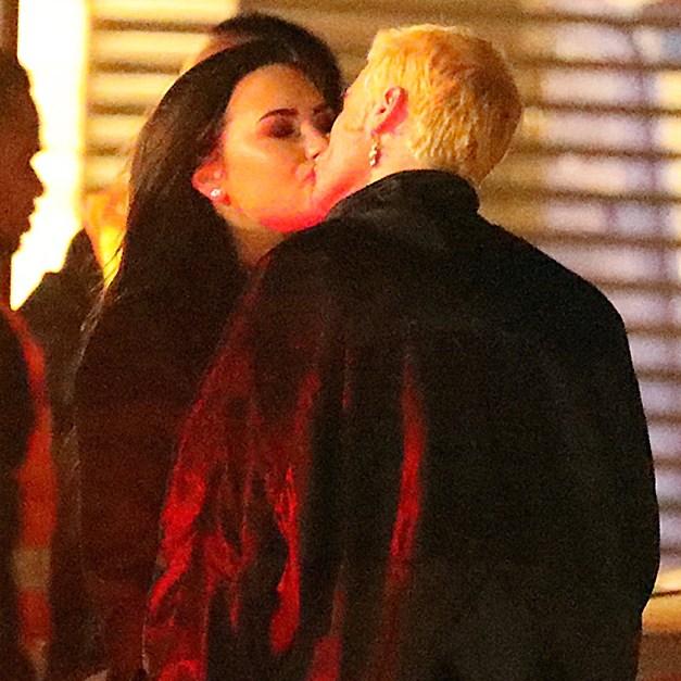 Demi Lovato Henry Levy Kiss Dinner Date