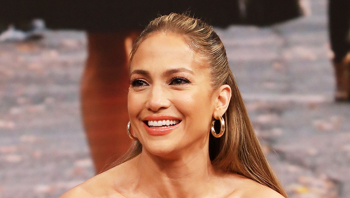 Jennifer Lopez Half Up Hair