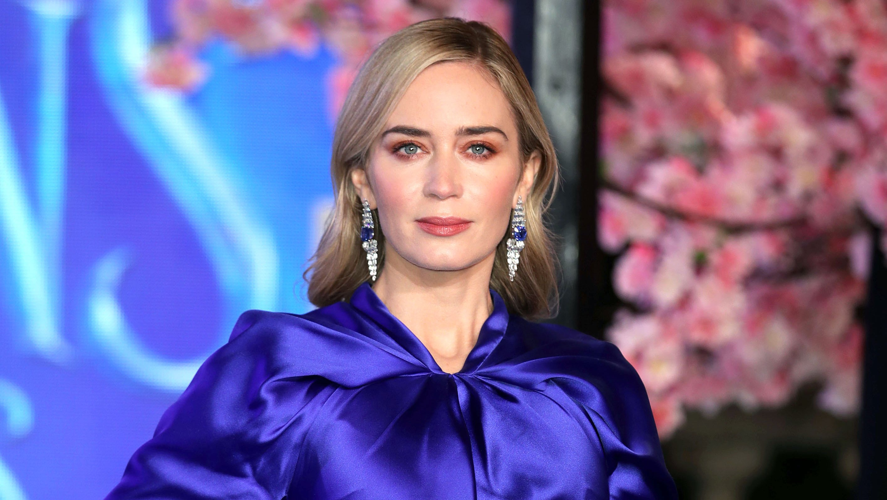 emily-blunt Mary Poppins Returns blue dress