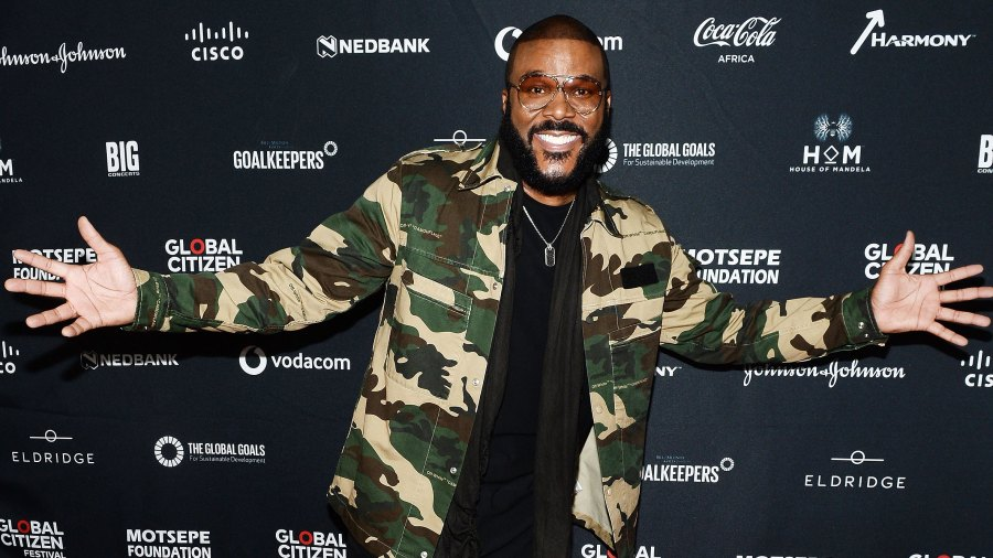 Tyler Perry Pays Off $434,000 in Walmart Layaways for 1,500 People