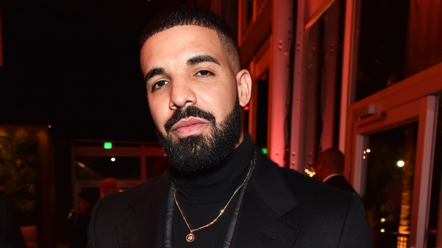 Drake Gives Two McDonalds Employees 100 Each