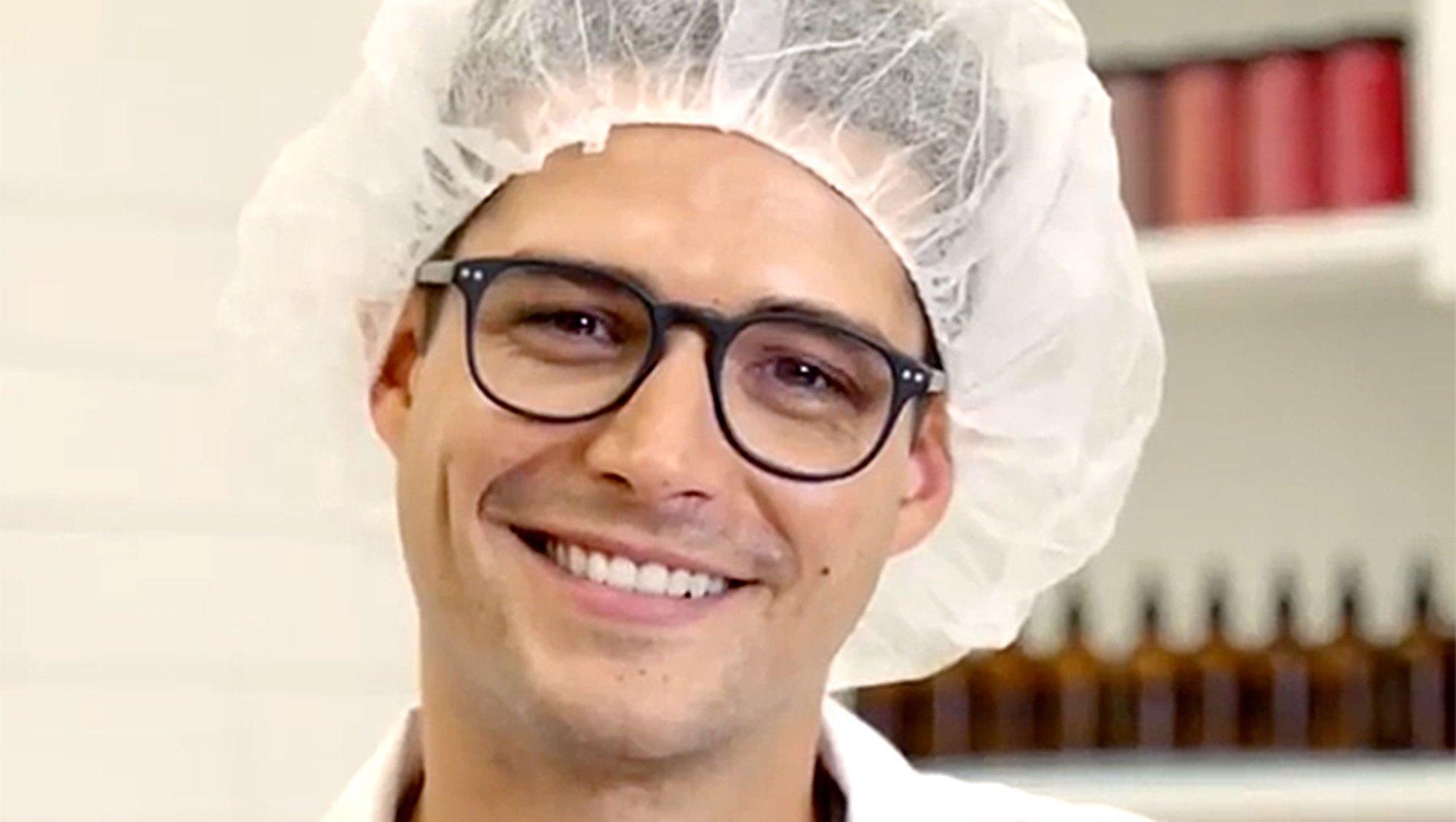 #HotGuysMakingLipstick Friday Treat: Behold Hot Guys Making Lipstick wells adams Steven Perkins
