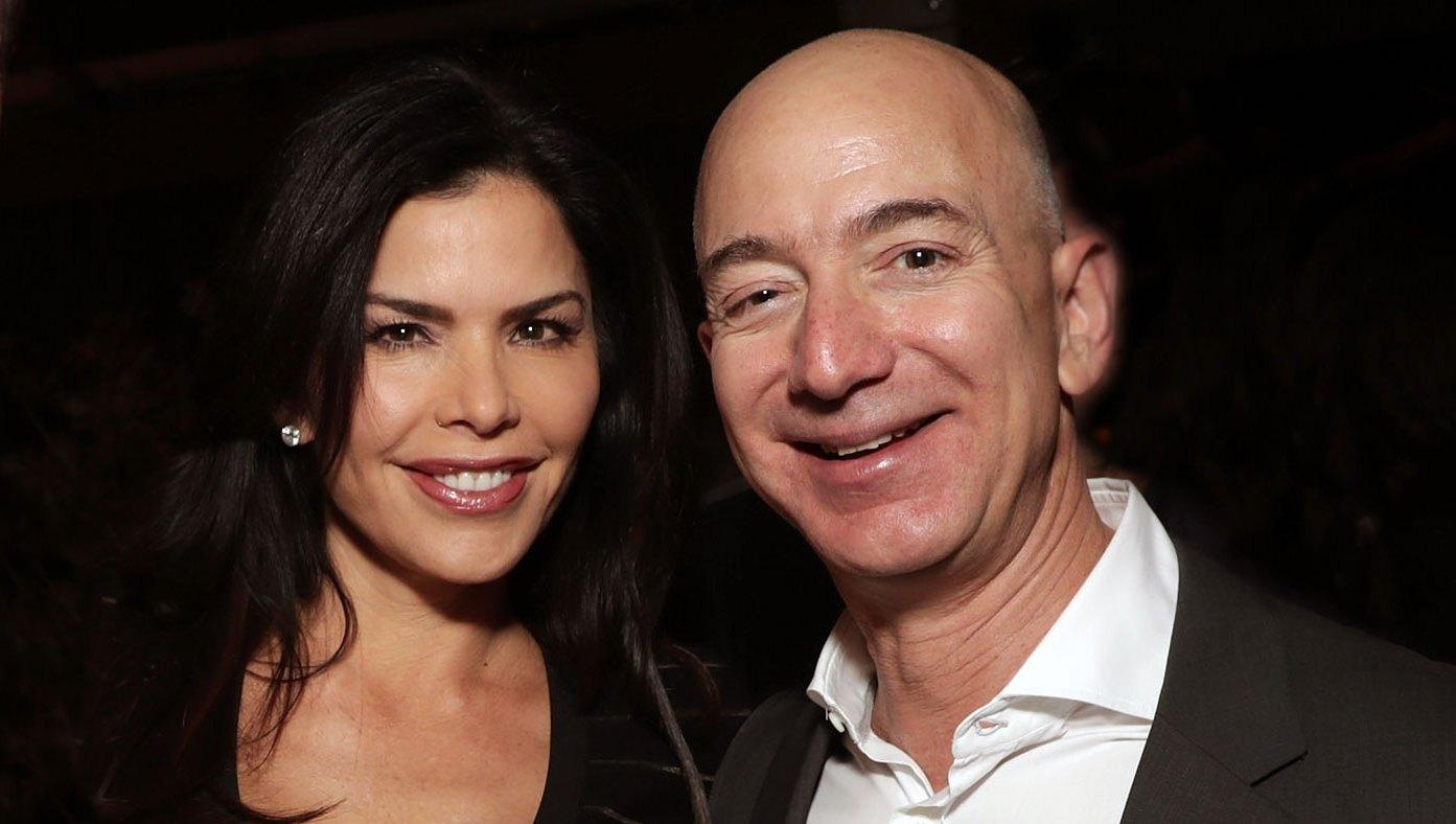Jeff-Bezos-Lauren- Sanchez-Deep-Love