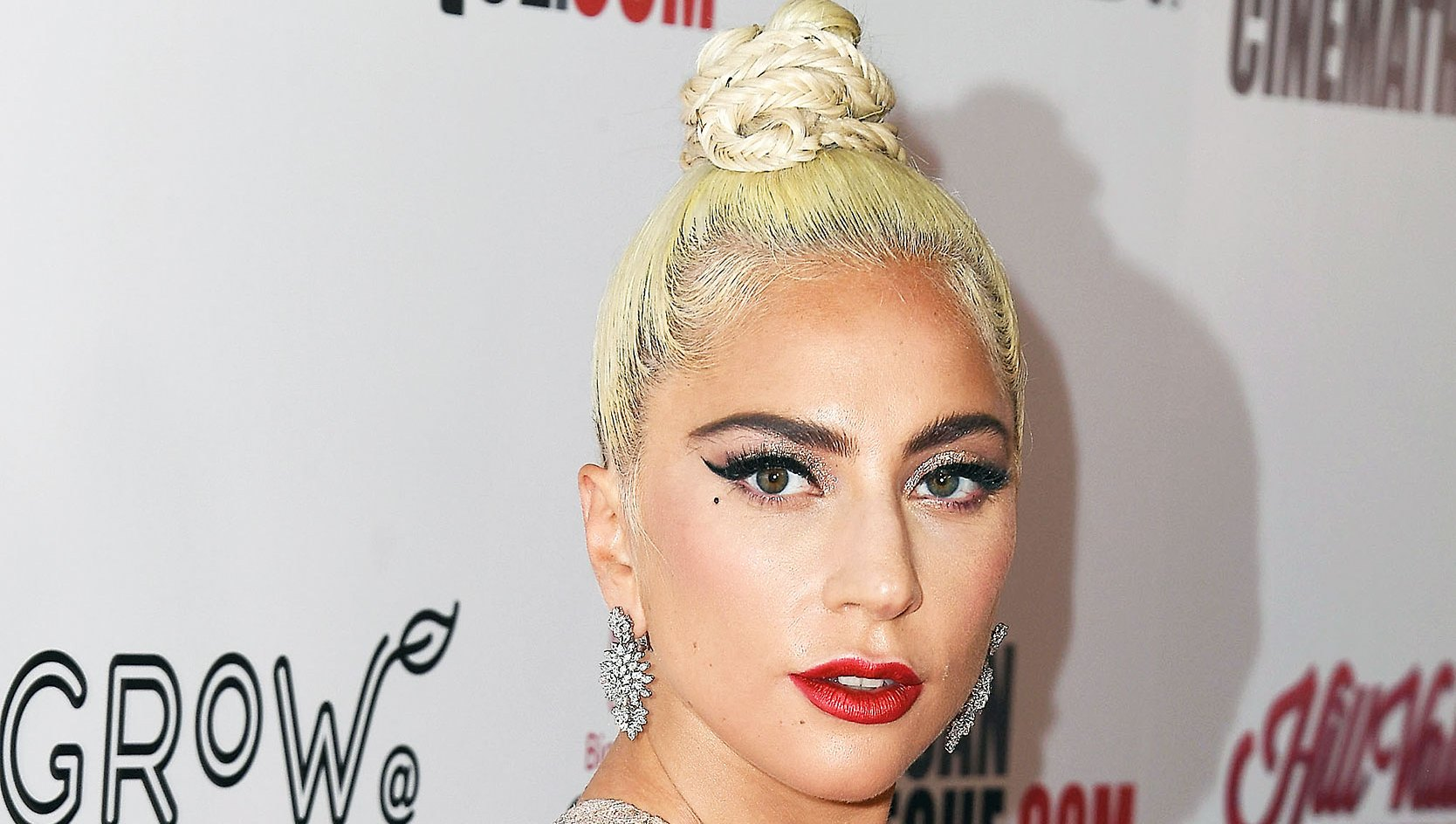 Lady Gaga Blonde Before Blue Hair Golden Globes 2019