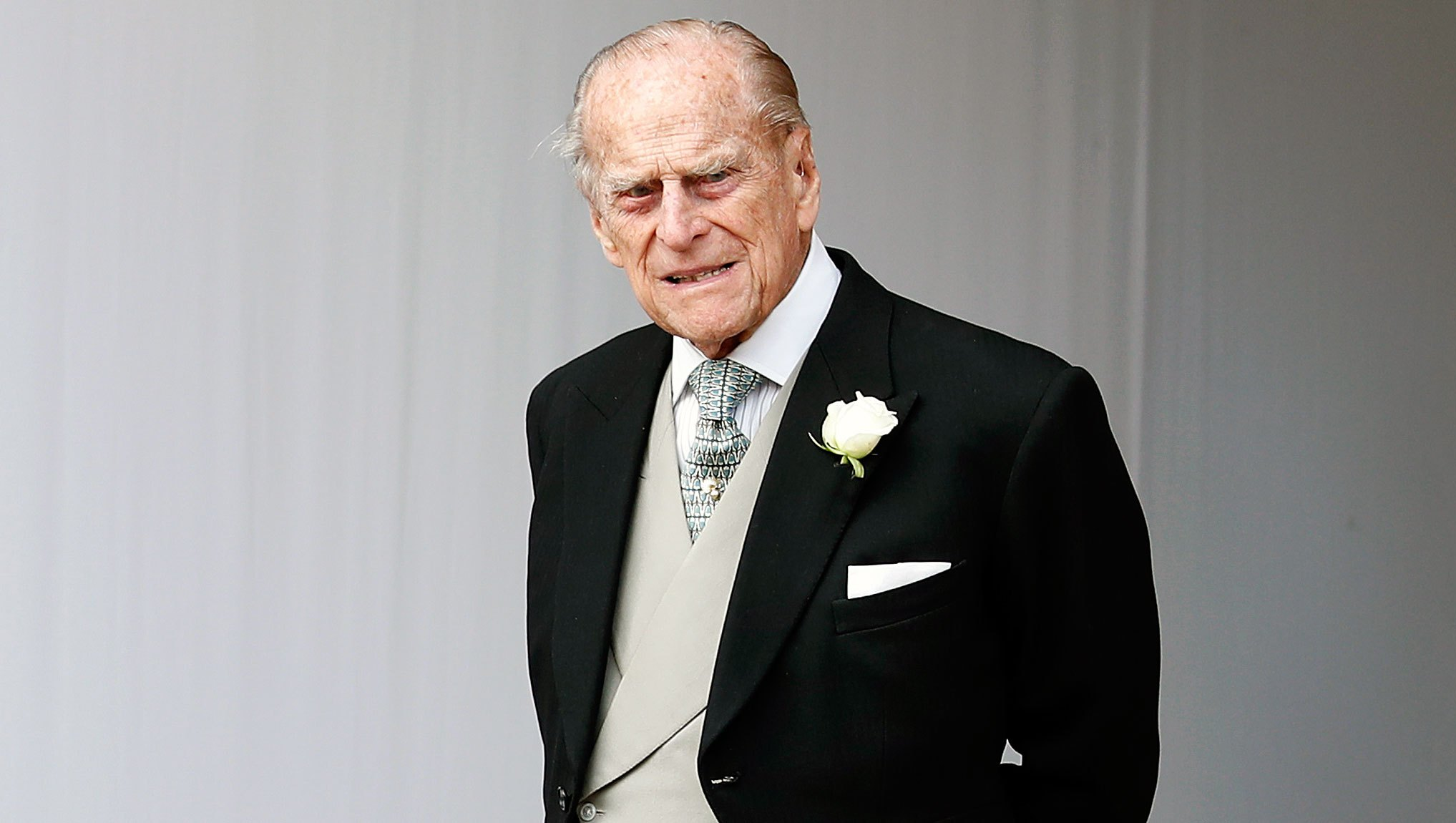 Prince Philip Drives Without Seatbelt Days After Car Accident