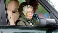 Queen-Elizabeth-II-Drives-Without-a-Seatbelt-1-Day-After- Prince-Philip-Car-Accident