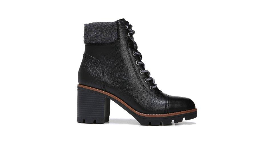 naturalizer varuna boot