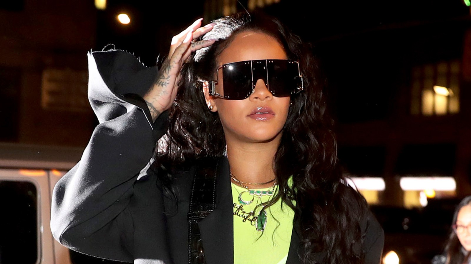a230a86a5cf Rihanna Steps Out In Big Sunglasses