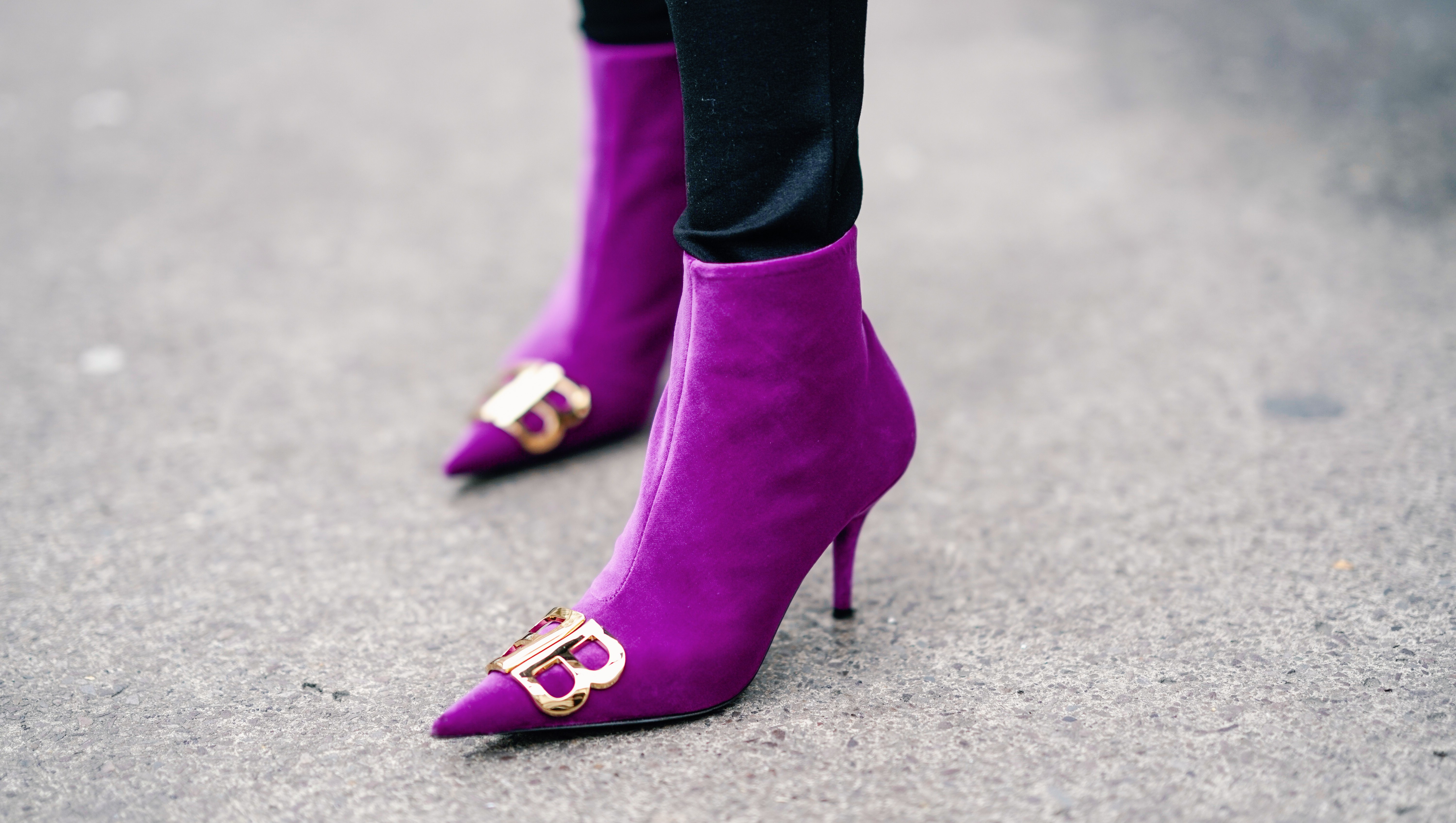 woman in purple boots street style