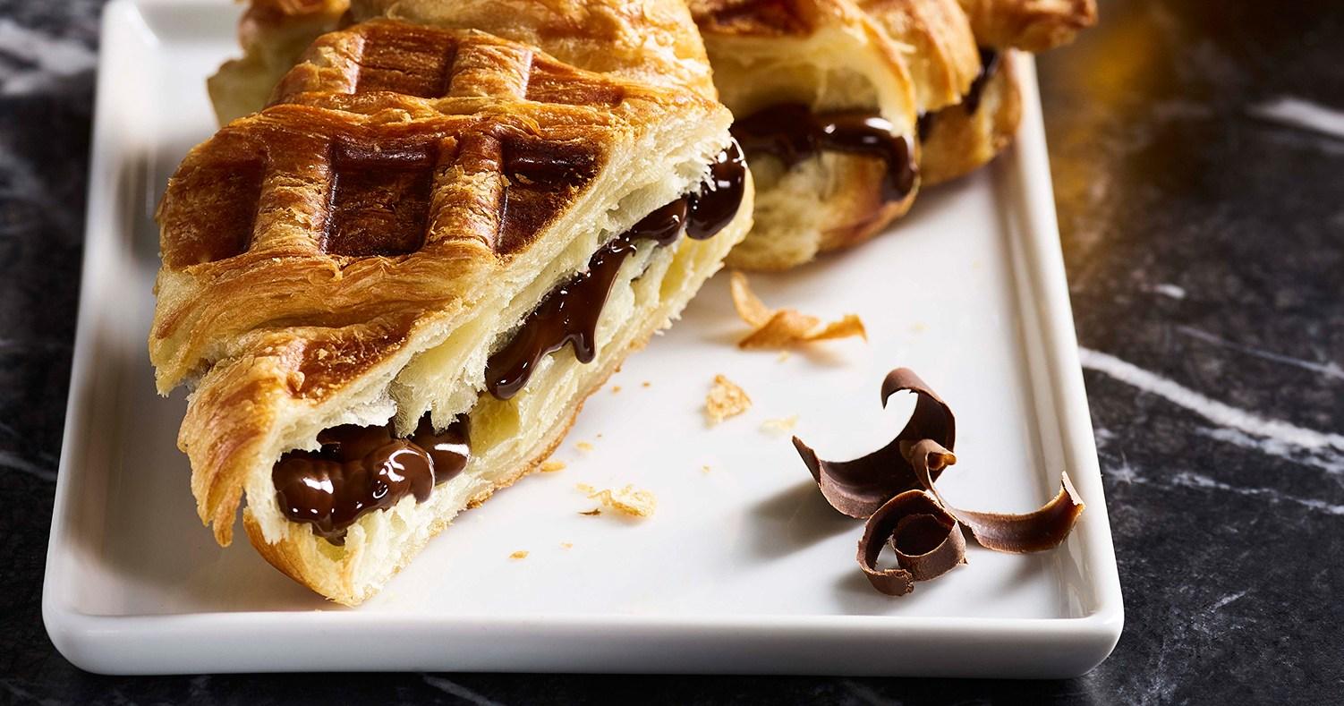 Godiva's Croiffle Is the Hybrid Food We Need
