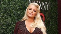 Pregnant Jessica Simpson Issues Warning After Breaking Her Toilet Seat in Hilarious Pic