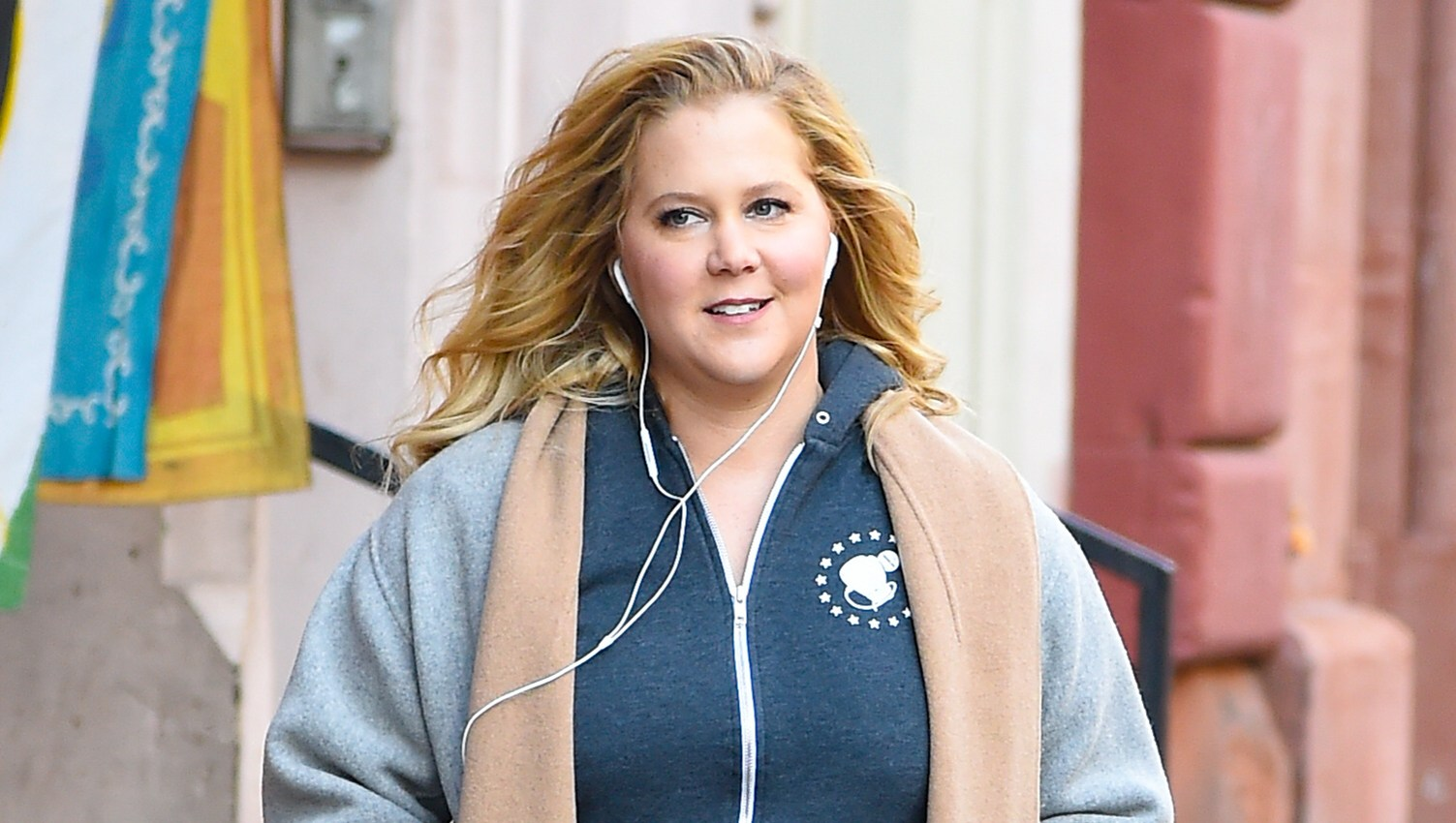 Pregnant Amy Schumer Hilariously Joins Mardi Gras Practice in New Orleans and Shows Off Her Dance Moves