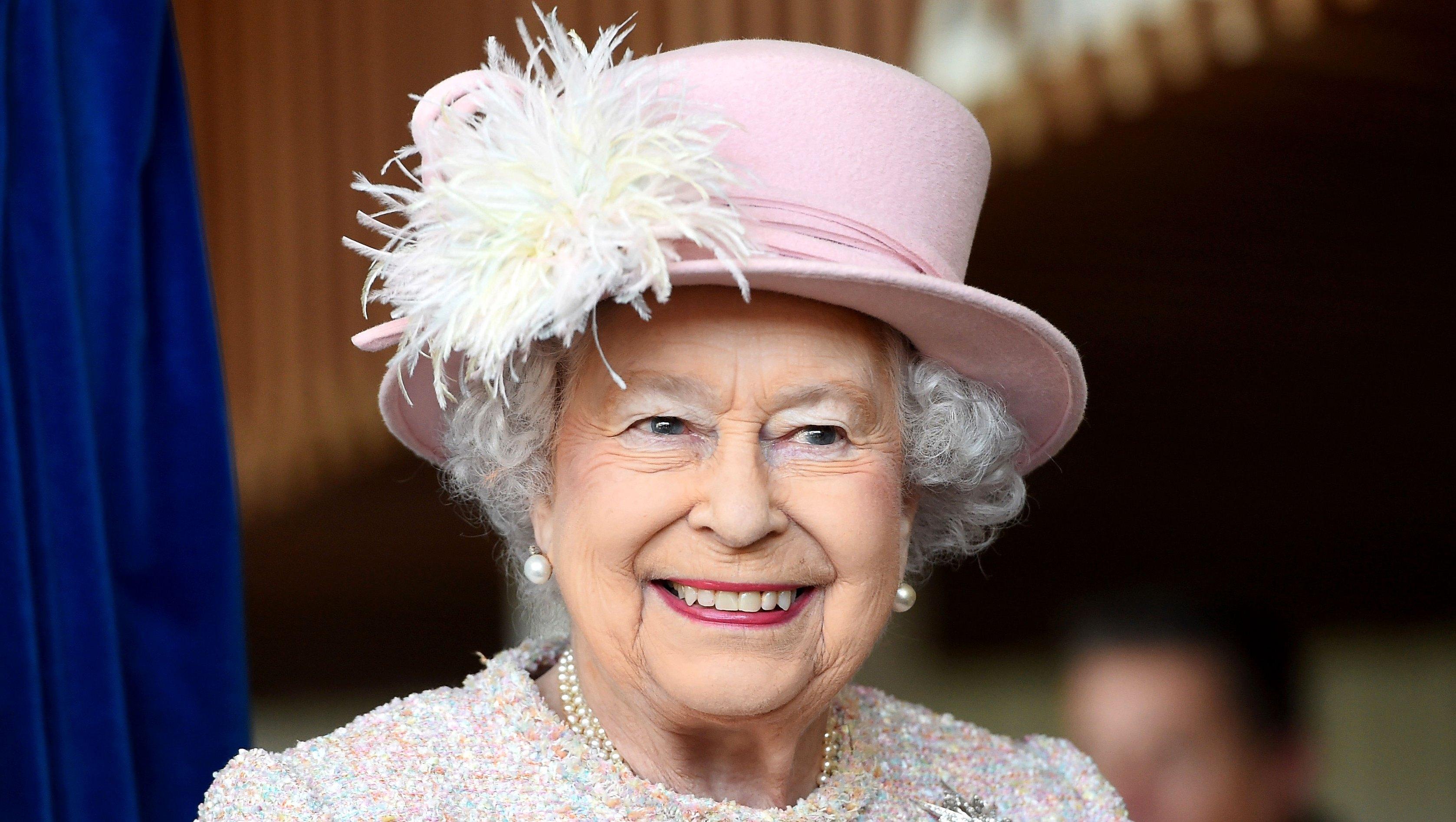 LOL! Queen Elizabeth II's Funniest Moments: Watch