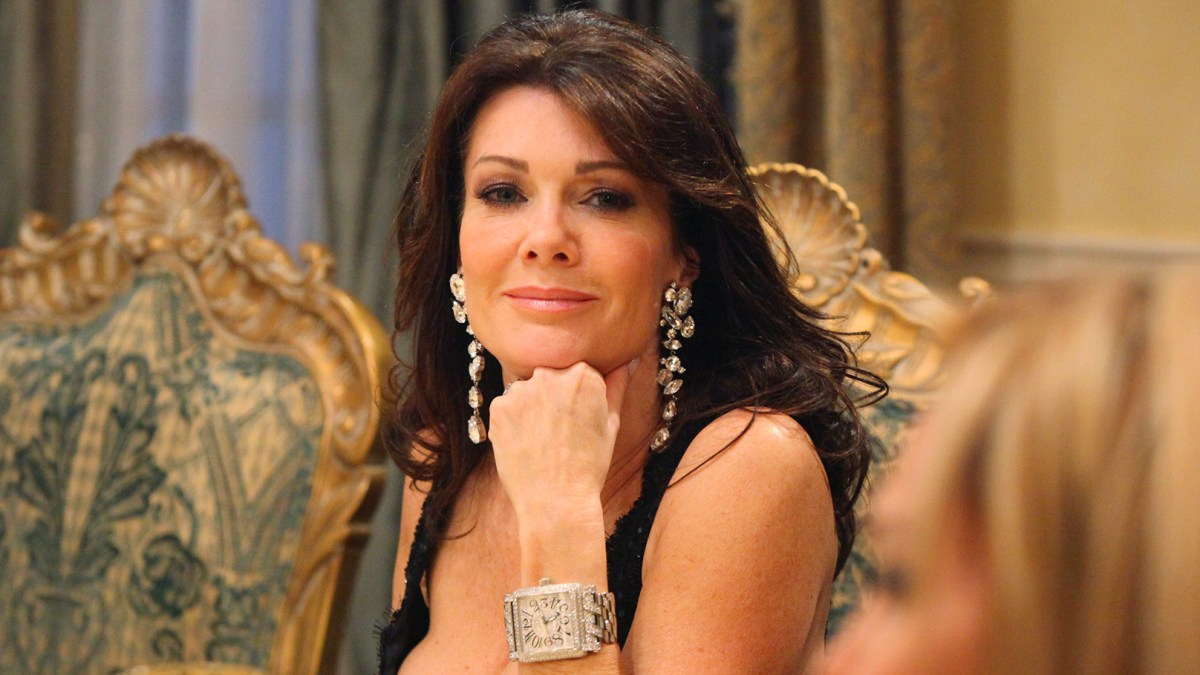 016f302e90e8 Lisa Vanderpump Hasn't Invited 'RHOBH' Costars to Vegas Restaurant