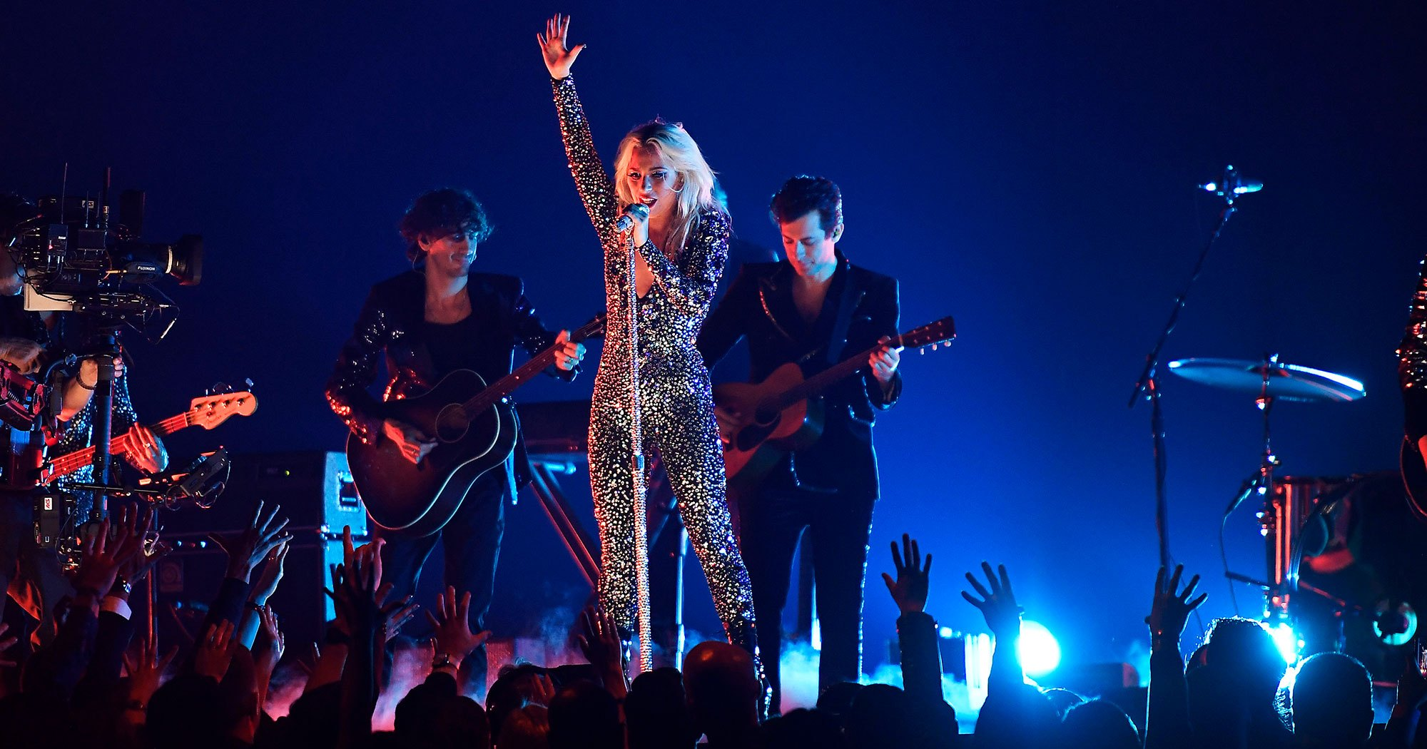 Watch Lady Gaga Rock Out to 'Shallow' at Grammys