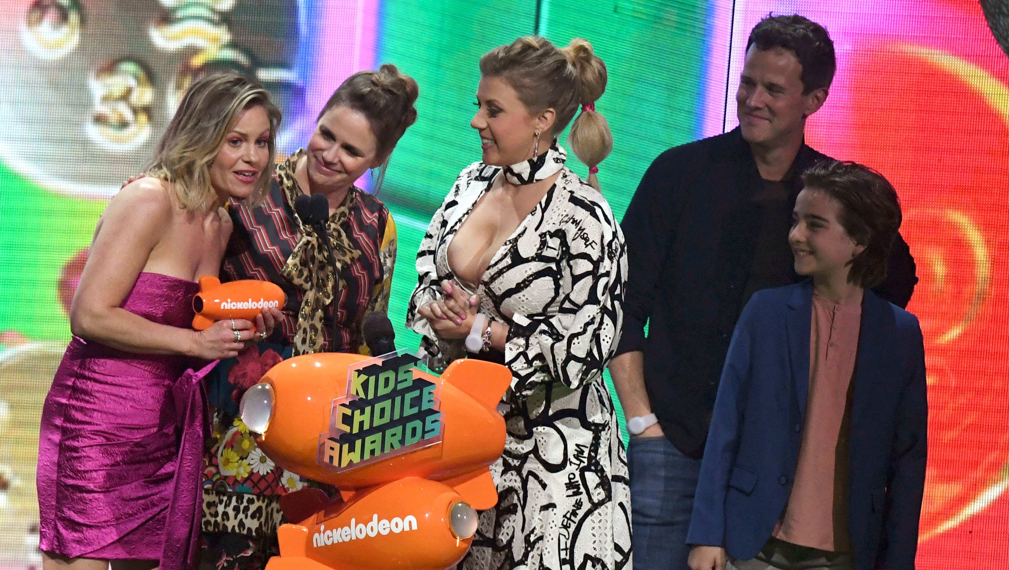 'Fuller House' Cast Says 'Family Sticks Together No Matter What'