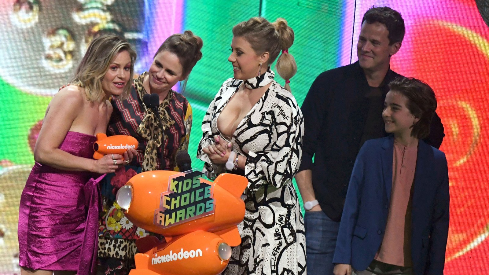 Fuller House' Cast Shares Message of Support Amid Lori