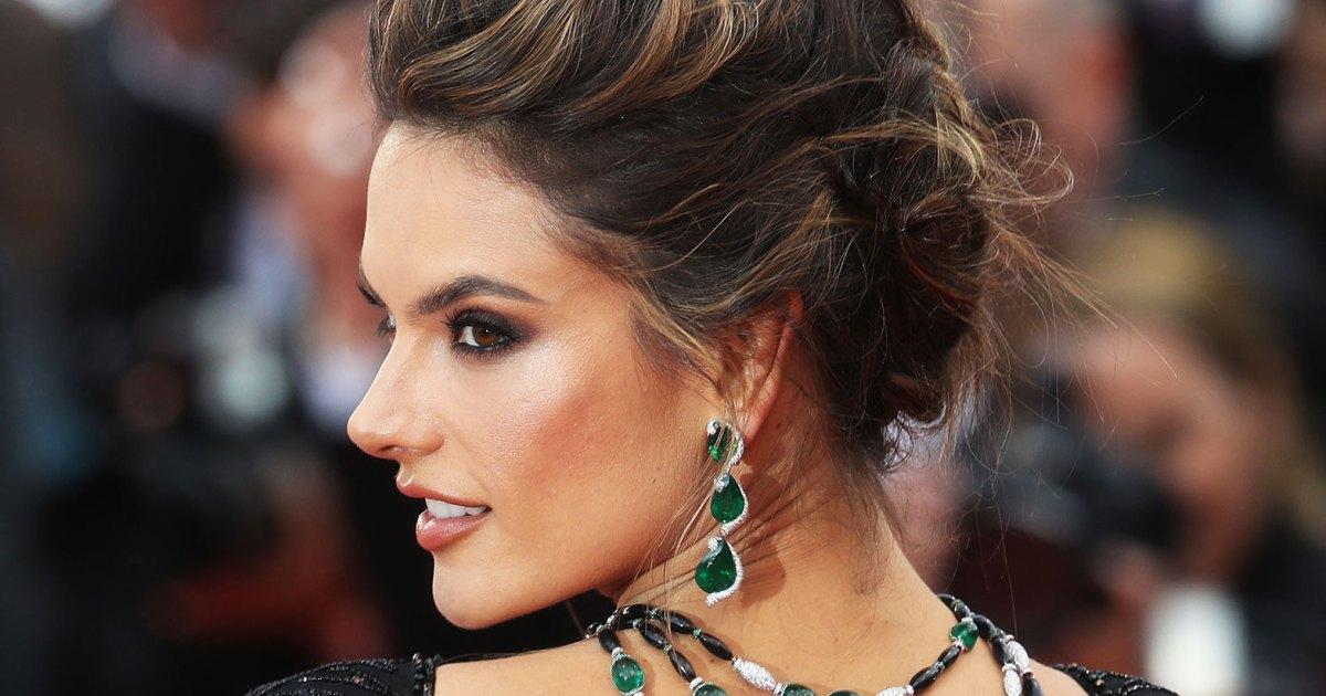 Celebrities Wearing Expensive, Big Jewelry: Photos