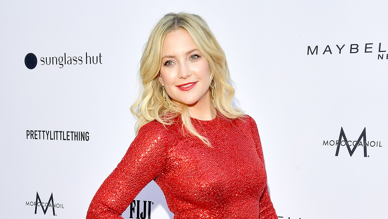 Kate-Hudson-Looks-Slim-and-Happy-in-Red-Dress