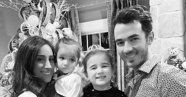Kevin Jonas' Daughters Have Movie Night With Mom as He Vacations