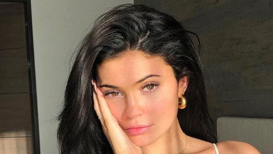 Kylie Jenner Shows Off Her Rarely-Seen Freckles