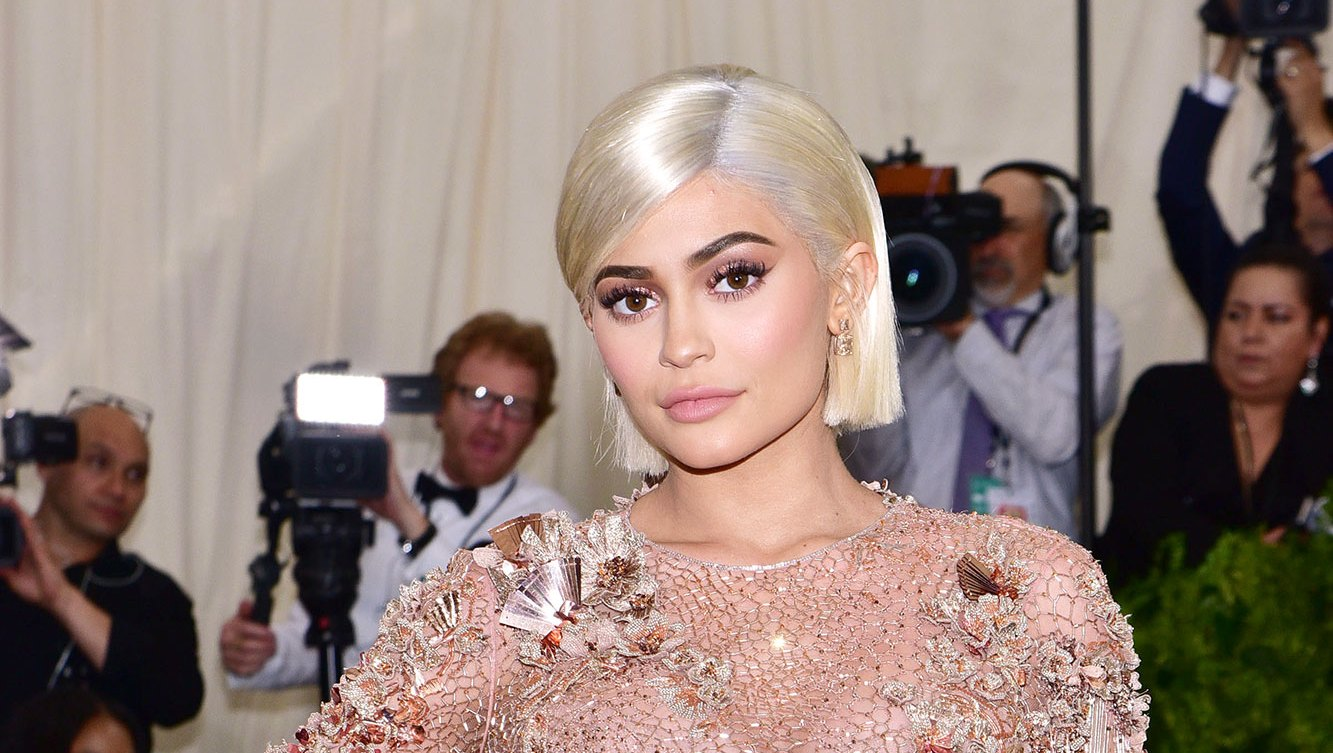 Kylie Jenner Flaunts Nails With $100 Bills on Them After Billionaire Backlash