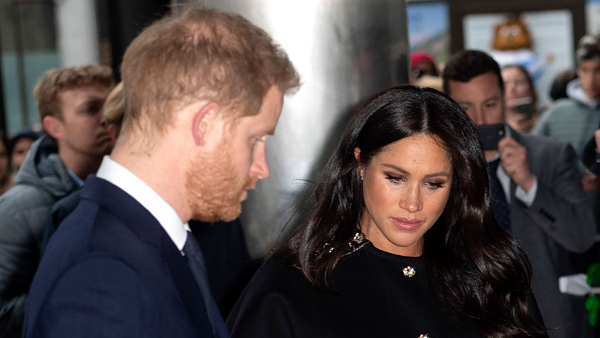 Prince Harry and Pregnant Duchess Meghan Pay Tribute to Christchurch Victims