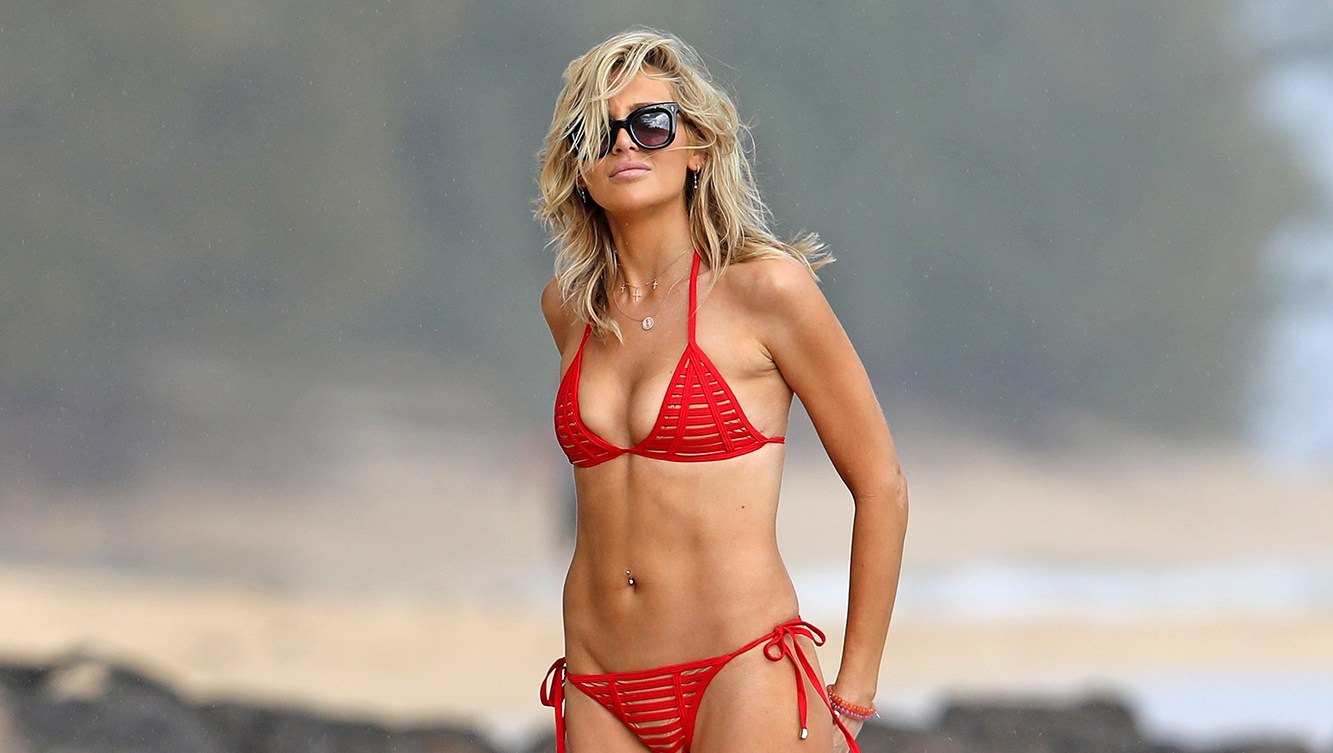 She's Back! Stephanie Pratt Shows Killer Abs on Beach in a Red Triangle Bikini
