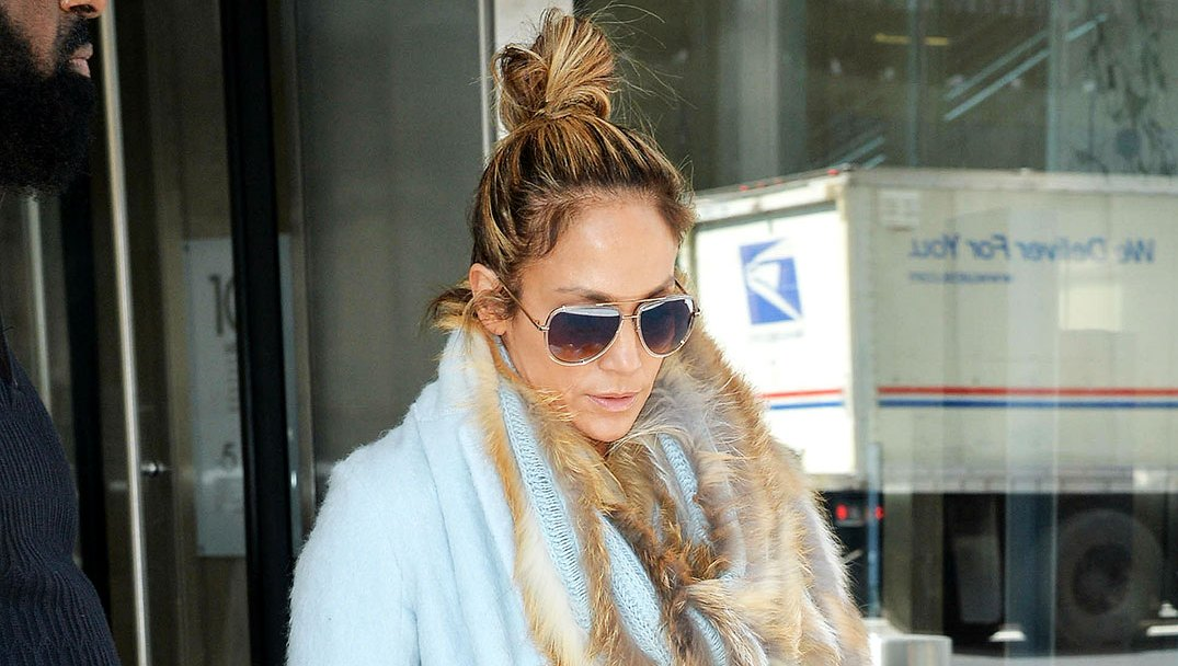 J. Lo Wore Over $100K In Clothes To Take Her Daughter Discount Shopping