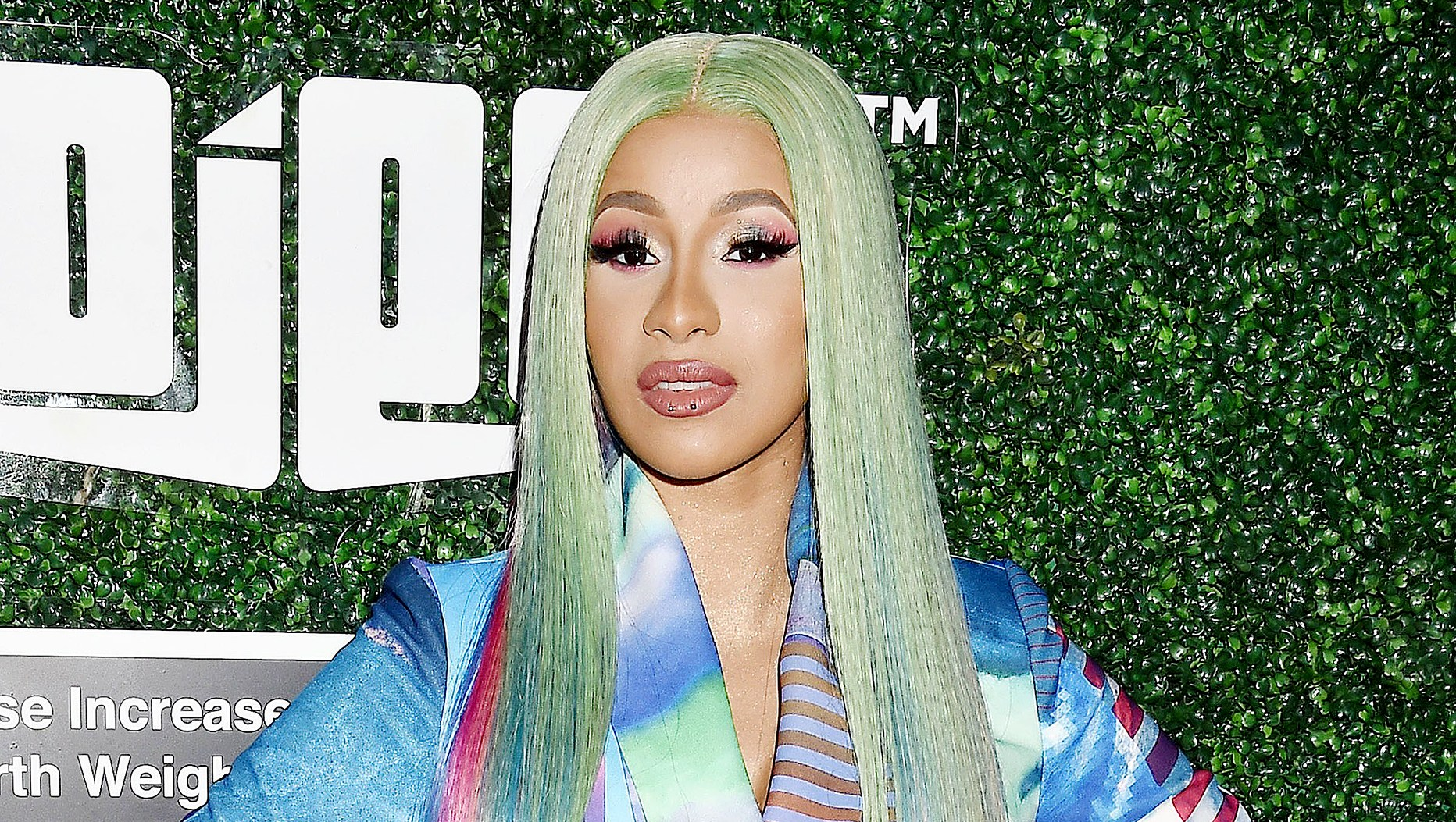 Cardi-B-shares-pic-of-Kulture
