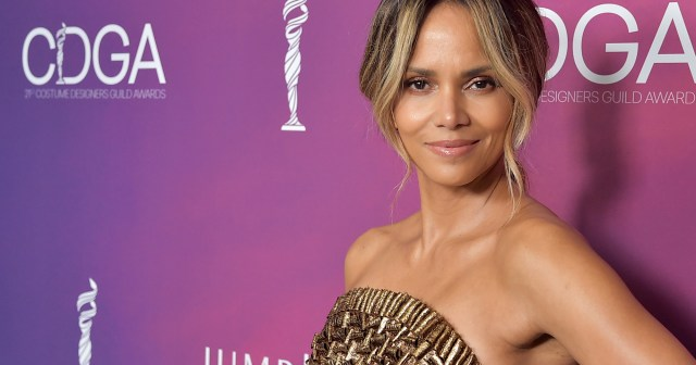Halle Berry Uses This 'Facial in a Box' for Incredibly Ageless Skin.jpg