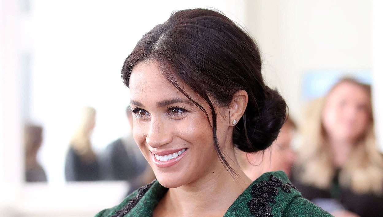 Meghan Markle Green Jacket Still Pregnant