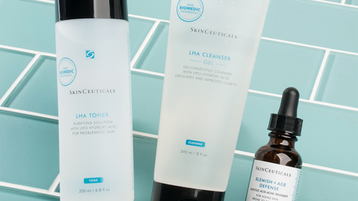 Shoppers Say This Skincare System Is 'Finally' Clearing Up Their Adult Acne