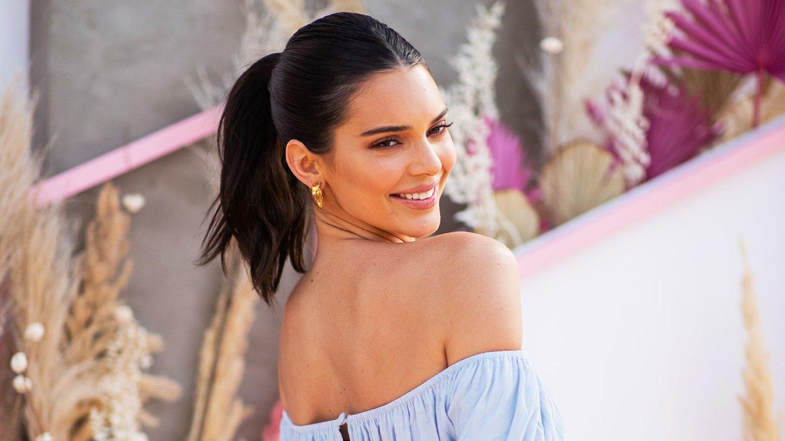 b1001b646ca4bf Coachella 2019 Celebrity Beauty: Kendall Jenner's Green Eyes, Glow