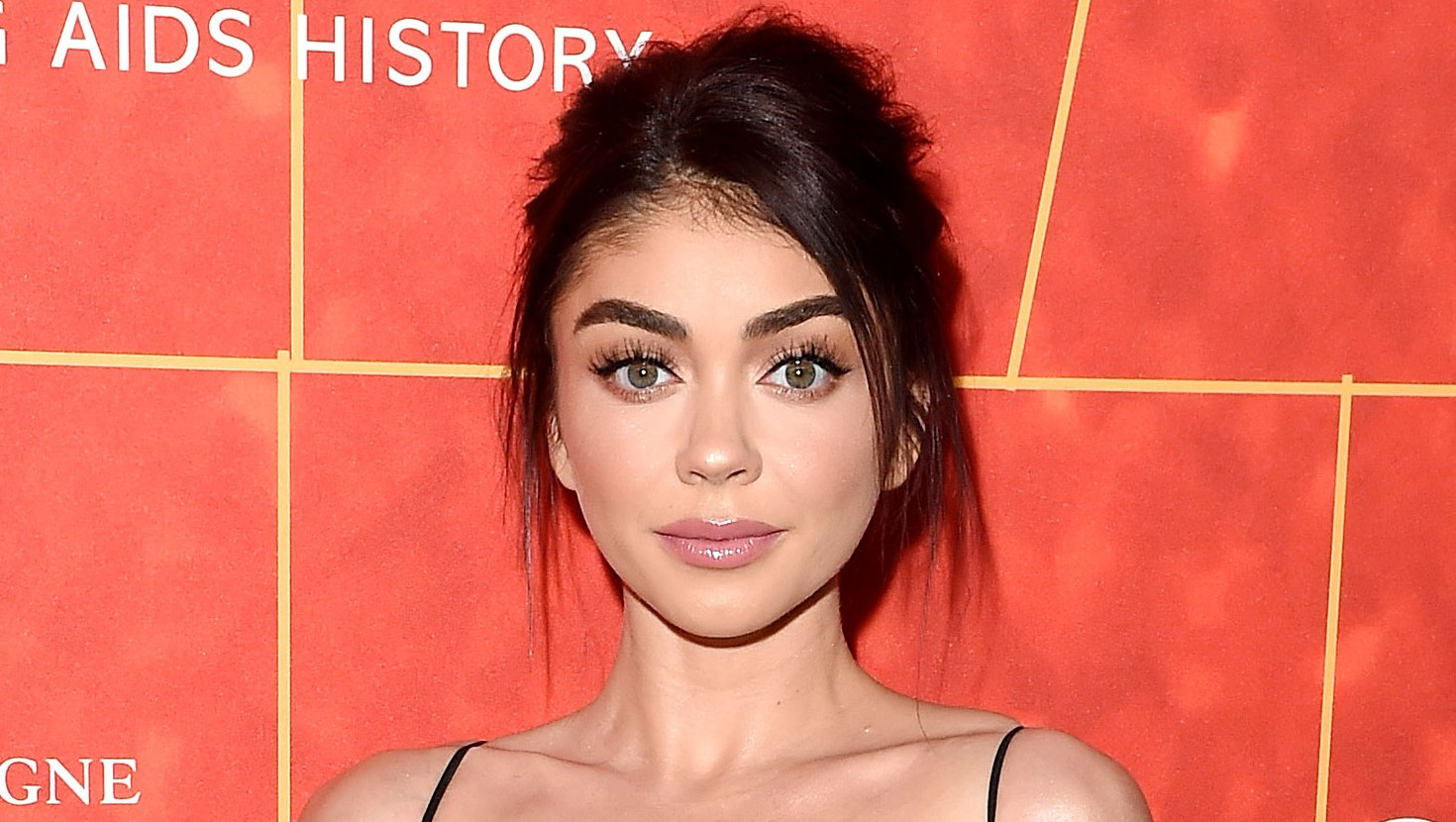 Sarah Hyland Constant Pain From Health Issues Beach Body