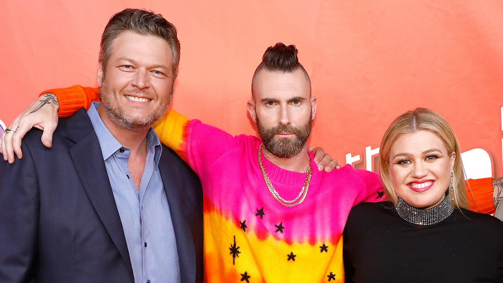 61aed4483 Blake Shelton, Kelly Clarkson and More React to Adam Levine's Shocking Exit  From 'The Voice'