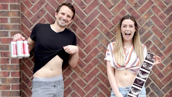 Carly-Waddell-Evan-Bass-and-Isabella-with-sonogram-pics-2