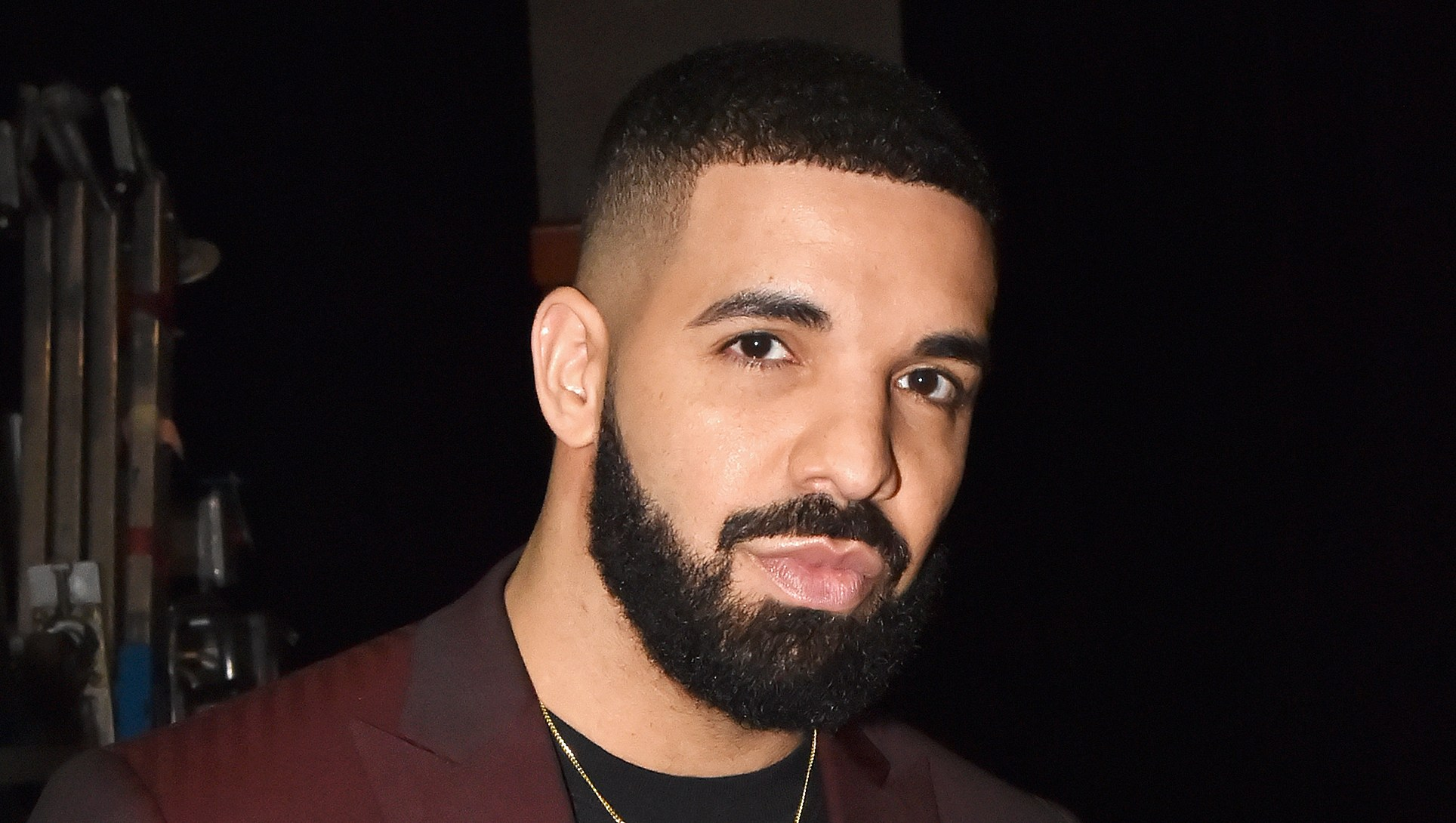 Drake Jokingly Hits Back at Plastic Surgery Rumors After Sharing a Shirtless Photo