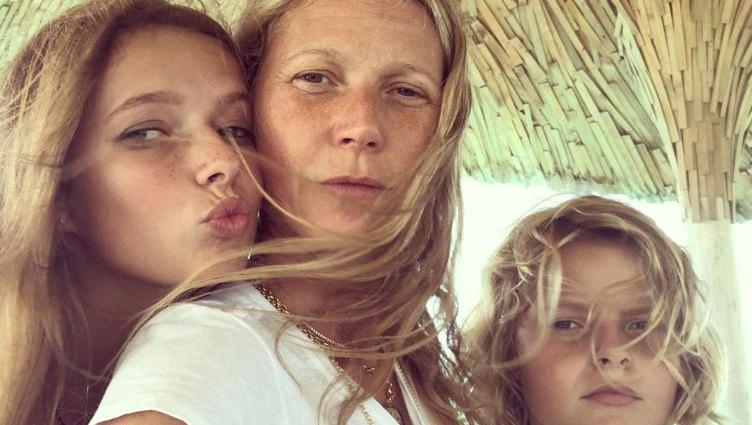 Gwyneth Paltrow No Makeup Selfies