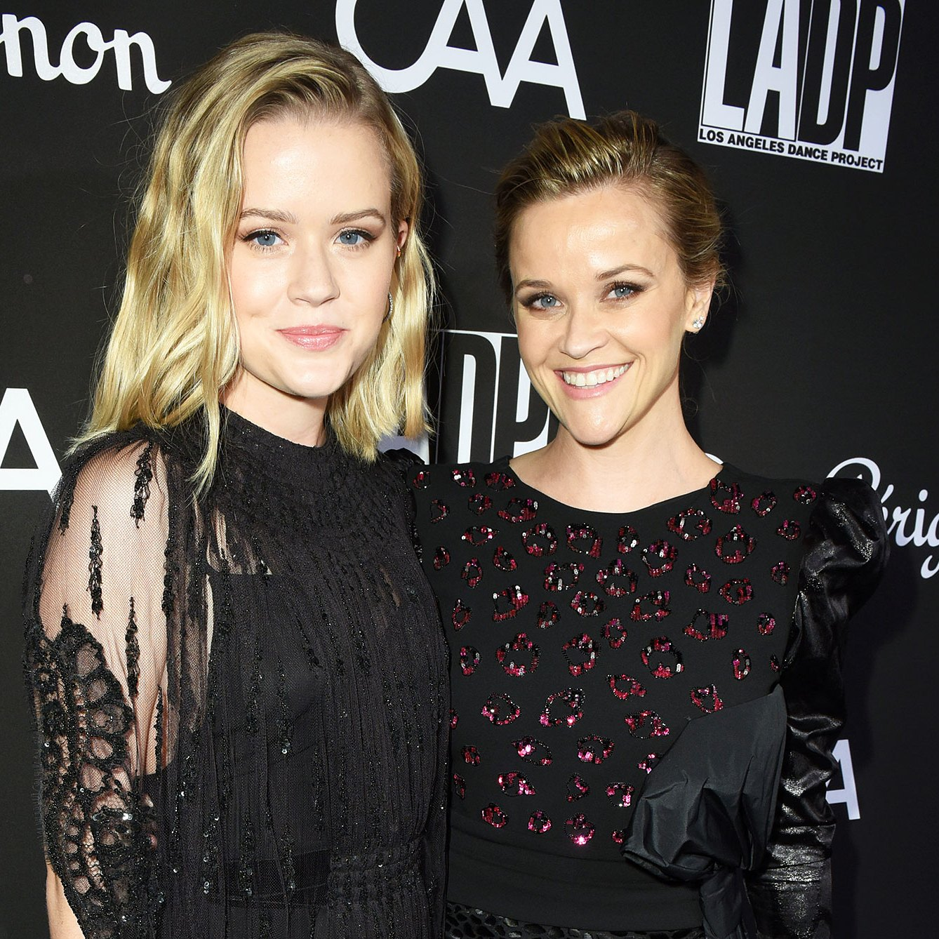 Reese Witherspoon Daughter Ava Phillippe Crying College