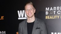 Sean Lowe Son Cheers Up Dog