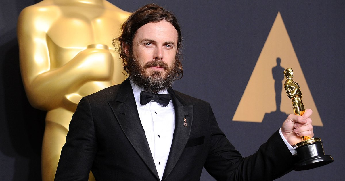 How Casey Affleck Keeps Sons Indiana, Atticus Grounded