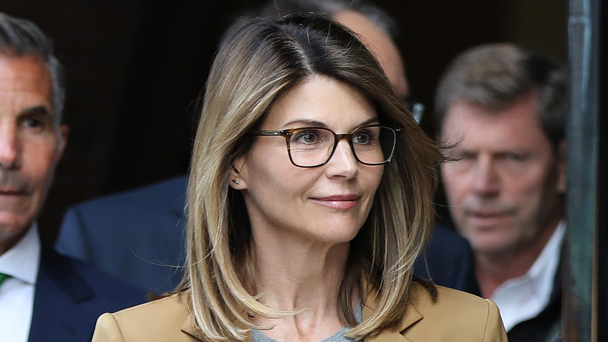 Lori Loughlin Will Fight USC in Order to Protect Her Family
