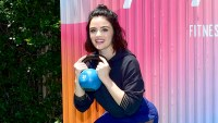 Lucy-Hale-fitness-workout
