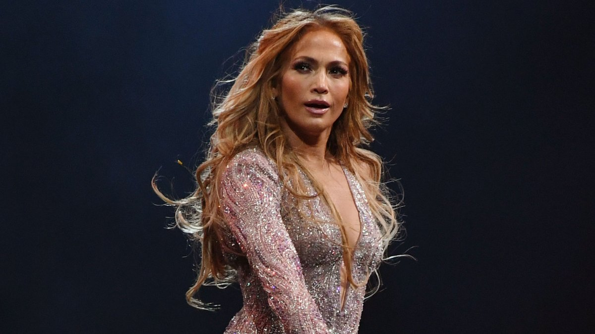 'Heartbroken' Jennifer Lopez Reacts After NYC Show Is Evacuated Due to Blackout, Announces Makeup Date