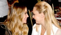 Ashley-Benson-and-Cara-Delevingne-in-love